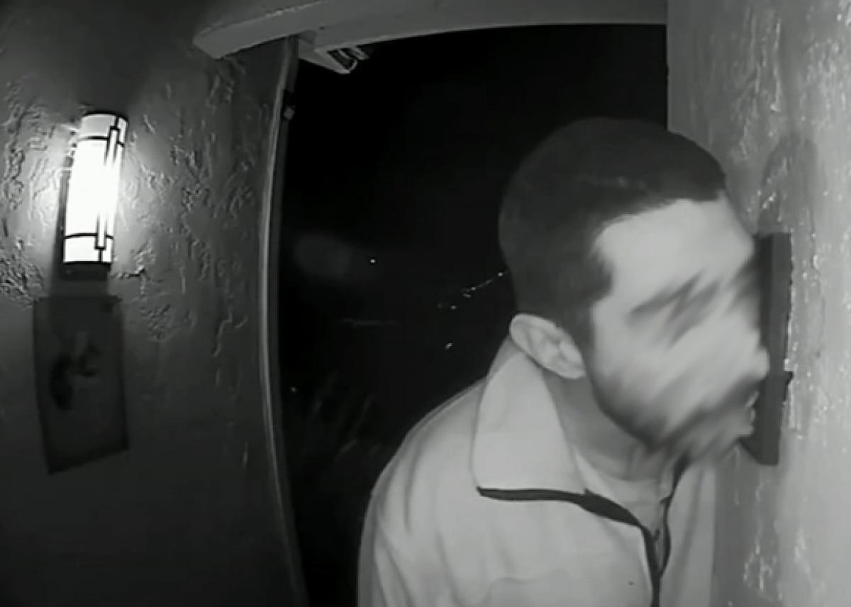 Tongue Ring? US Man Caught Licking Strangers' Doorbell for Three Hours