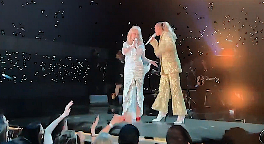 Dolly Parton & Friends Give An Amazing Medley Performance At The 2019 Grammys!
