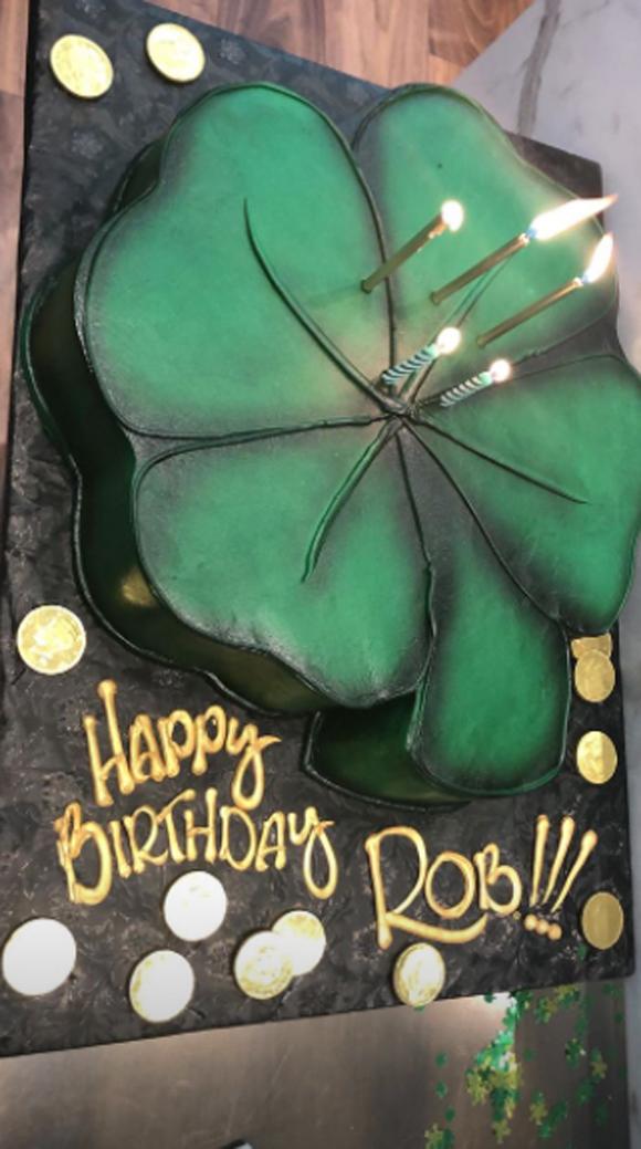 Rob Kardashian's birthday cake was AWESOME!