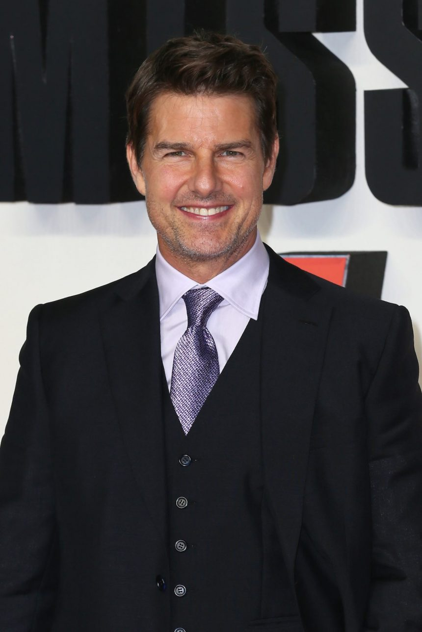 Tom Cruise Scientology 2020.Tom Cruise Is A God To Scientology Members Who Buy All