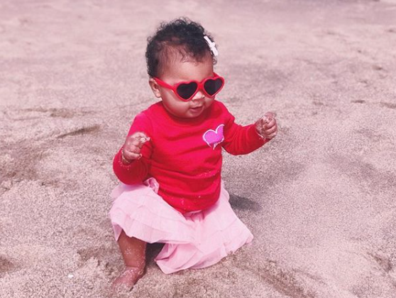 Khloé Kardashian shares a pic of daughter True at the beach!