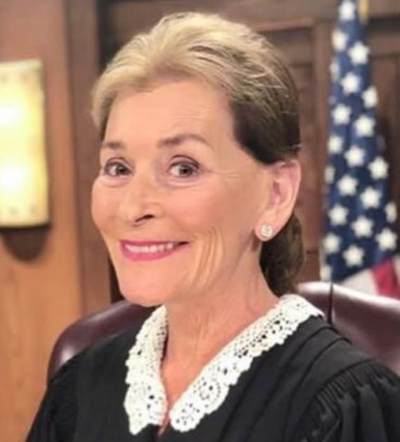 Judge Judy Trades Her Signature Bob For A Ponytail Twitter Is Being Unruly About It Look Celebritytalker Com