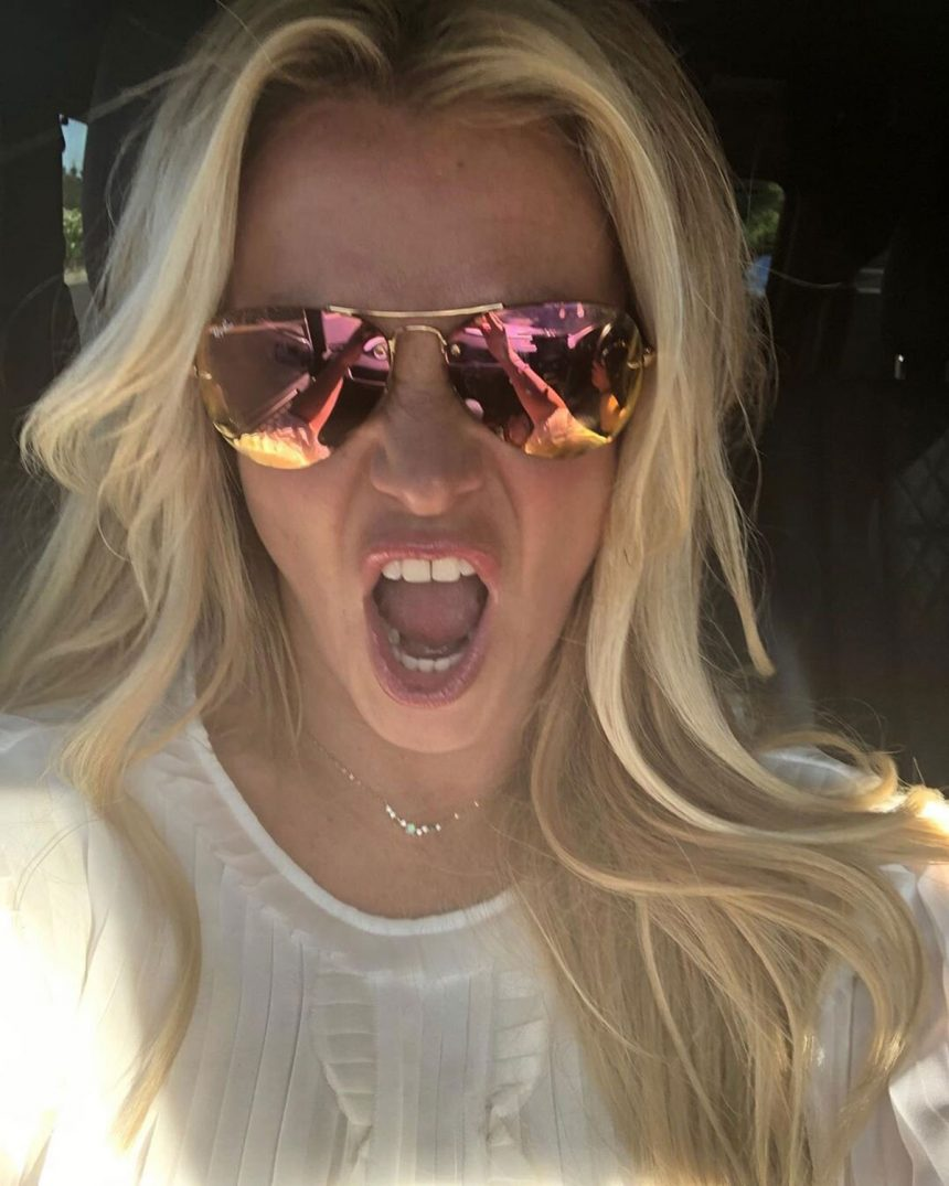 Britney Spears Accused the Paparazzi of Editing Photos of Her