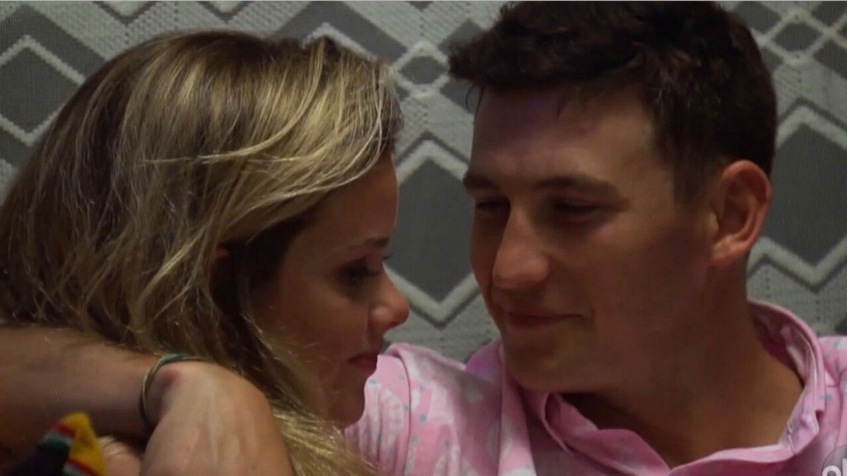 Bachelor in Paradise makeout