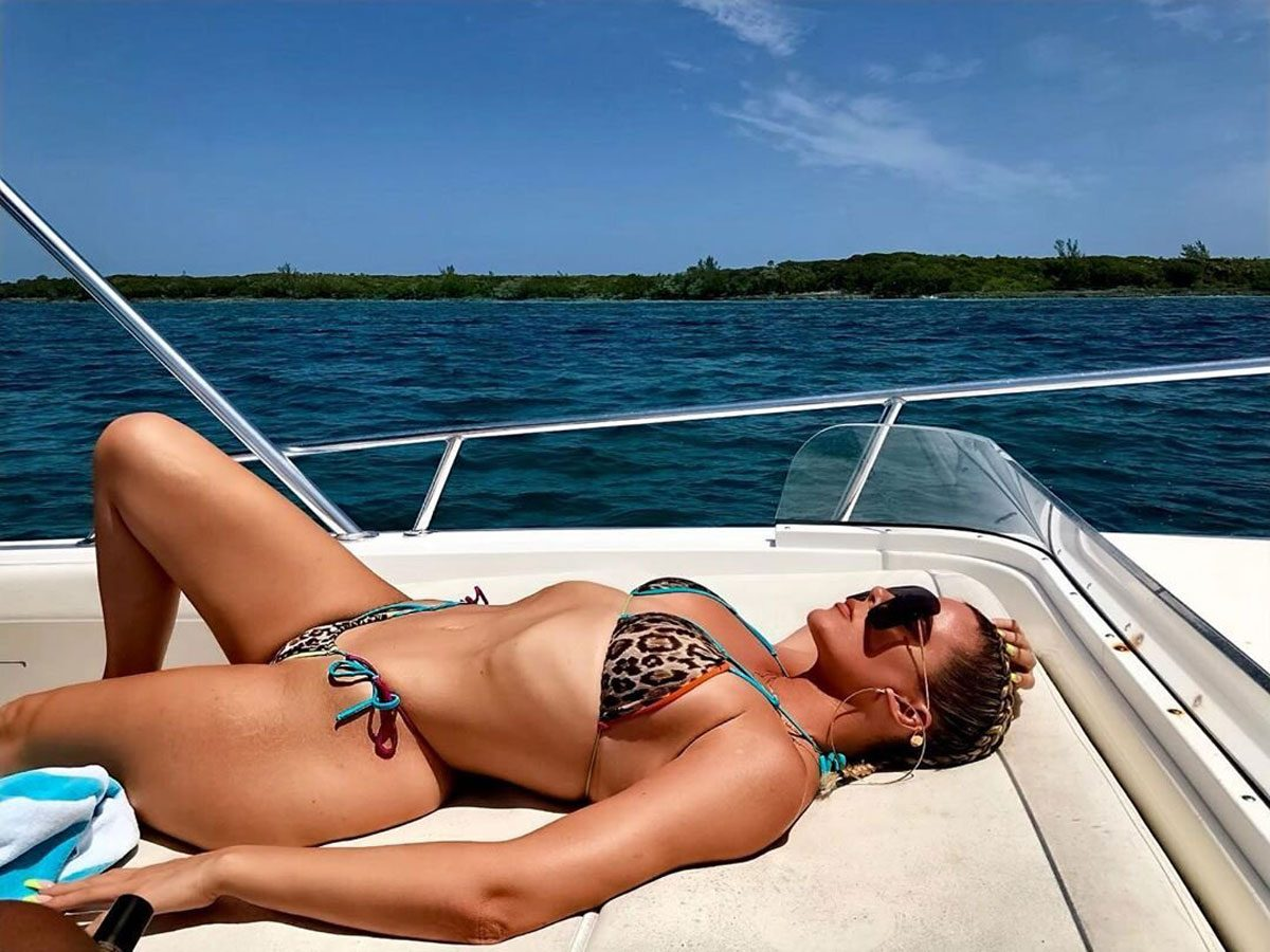 Khloé Kardashian Proudly Displays Her 'Revenge Body'!