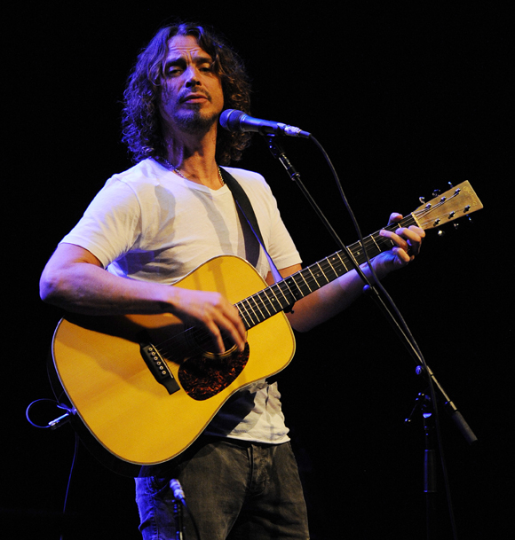 Chris Cornell RIP in concert in 2012