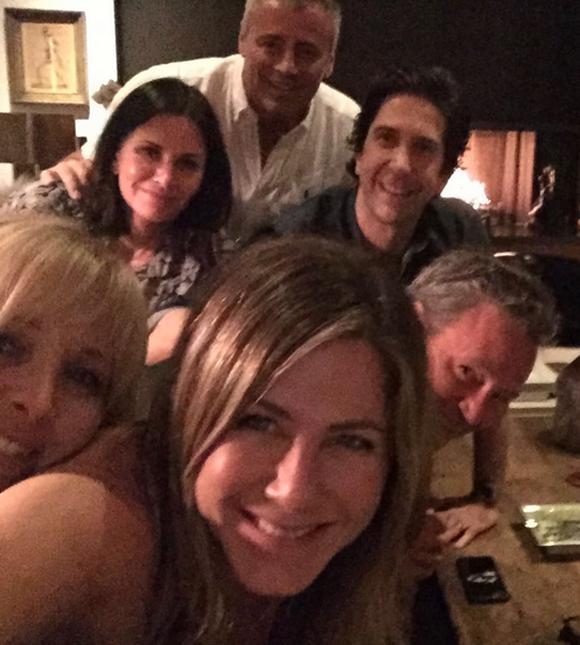 Jennifer Aniston Broke Instagram Celebritytalker Com See more ideas about elizabeth anne, elizabeth, anne. jennifer aniston broke instagram