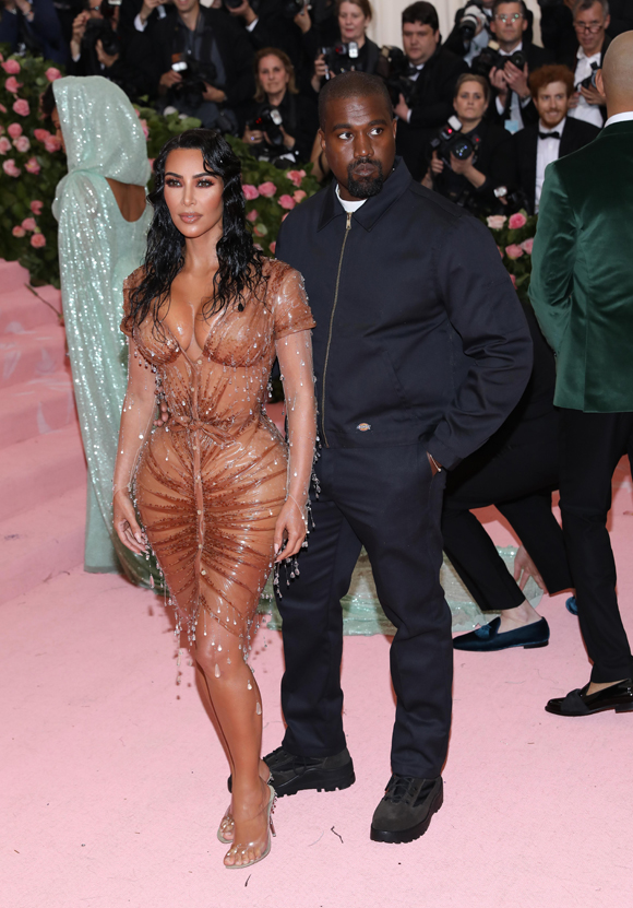 Kim looking too sexy for Kanye at the Met Gala