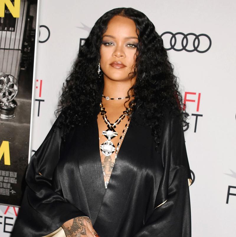 Rihanna helps fight coronavirus