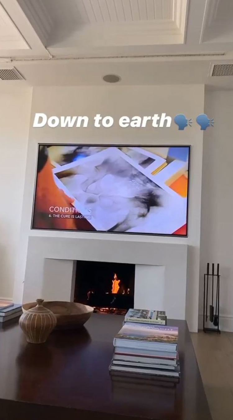 Sofia Richie snapped a pic at Scott Disick's home!