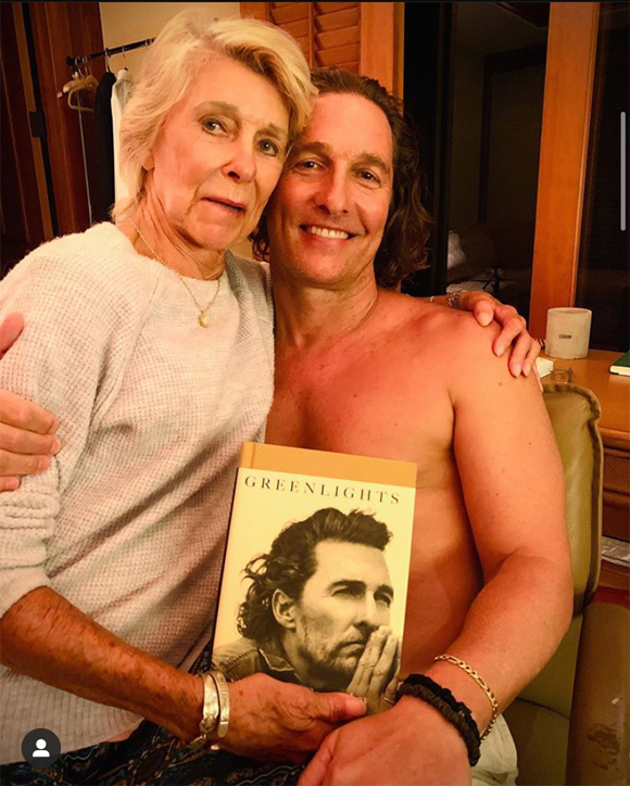matthew mcconaughey and mother mary kathlene mccabe pose with memoir