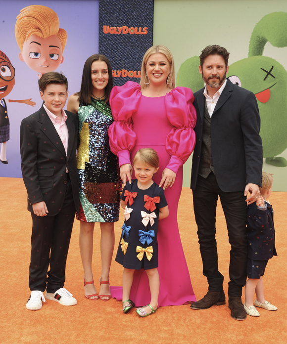 Kelly Clarkson and family in happier times
