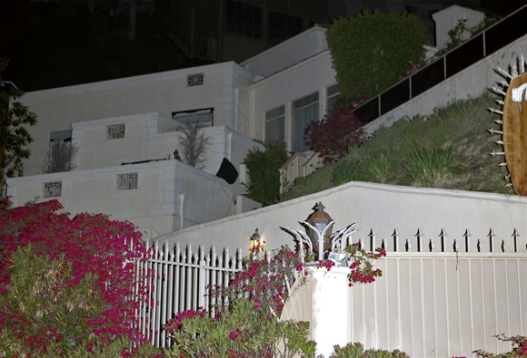 Brittany Murphy home seen just after her death in 2009