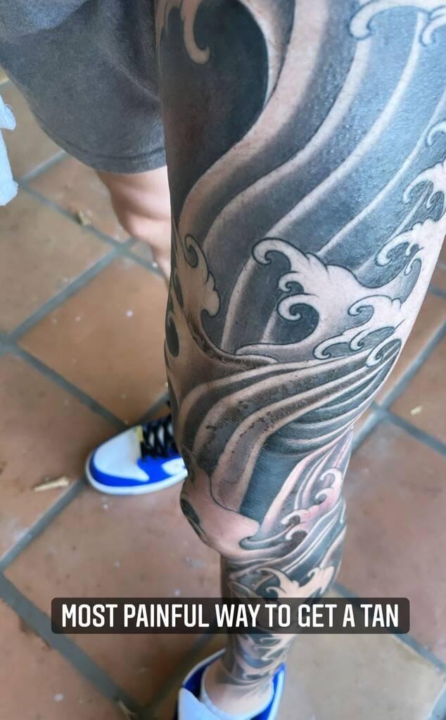 Adam Levine's Bold New Leg Tattoo!