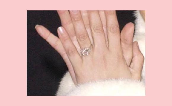 Jennifer Lopez ring Ben Affleck